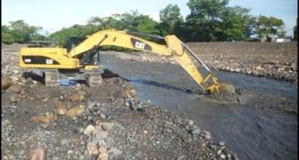 Mitigación de riesgo río Upin